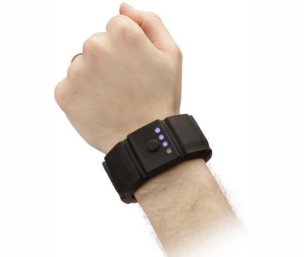 Universal-Gadget-Wrist-Charger
